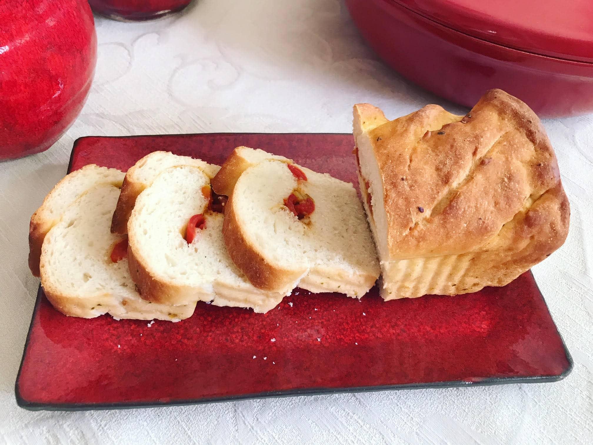 לחם ממולא בעגבניות שרי 1