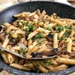 פרמזן טבעוני פסטה ופטריות
