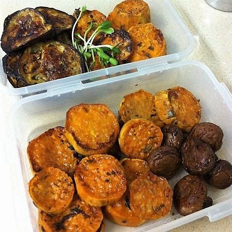 ירקות קלויים בדרך למקרר