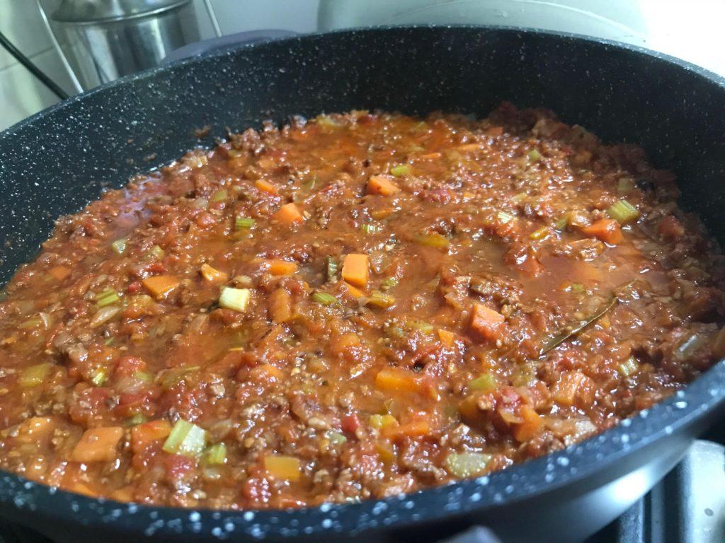 בולונז סויה אחרי הוספת העגבניות