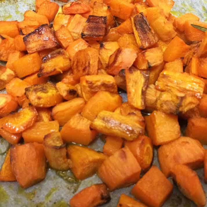 ירקות כתומים צלויים לסלט קוסקוס